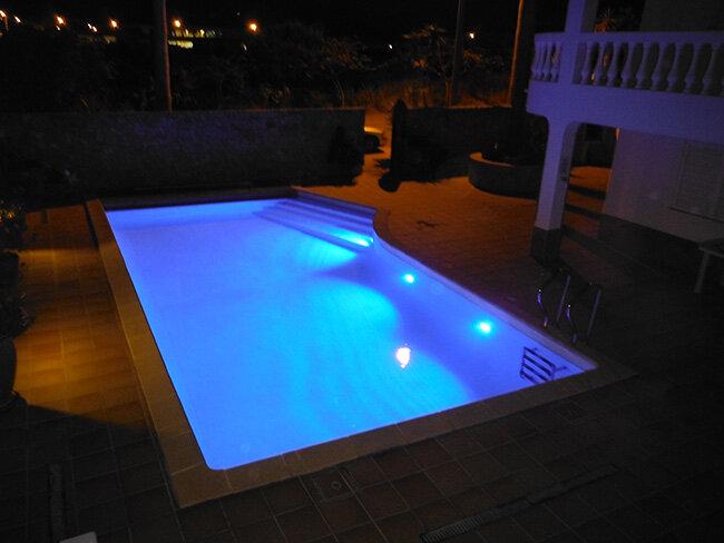 Iluminação LED piscinas com cor