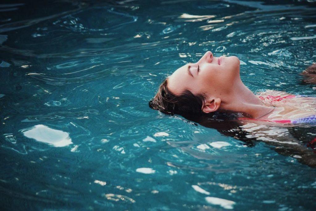 Com uma bomba de calor poderá desfrutar da sua piscina mesmo nos dias frios.